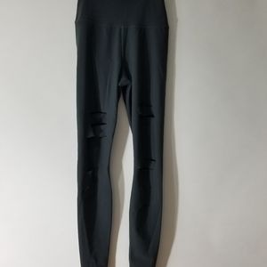 Alo Yoga High Waisted Ripped Warrior Leggings XS